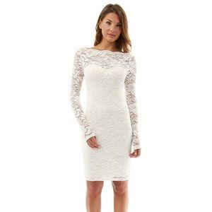 PattyBoutik Sweetheart Lace Dress (Off-White, S)